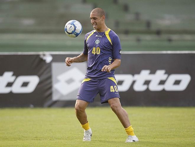 Cotado para jogar no Palmeiras, Ariel volta a ser titular do Coritiba | Hedeson Alves/Gazeta do Povo