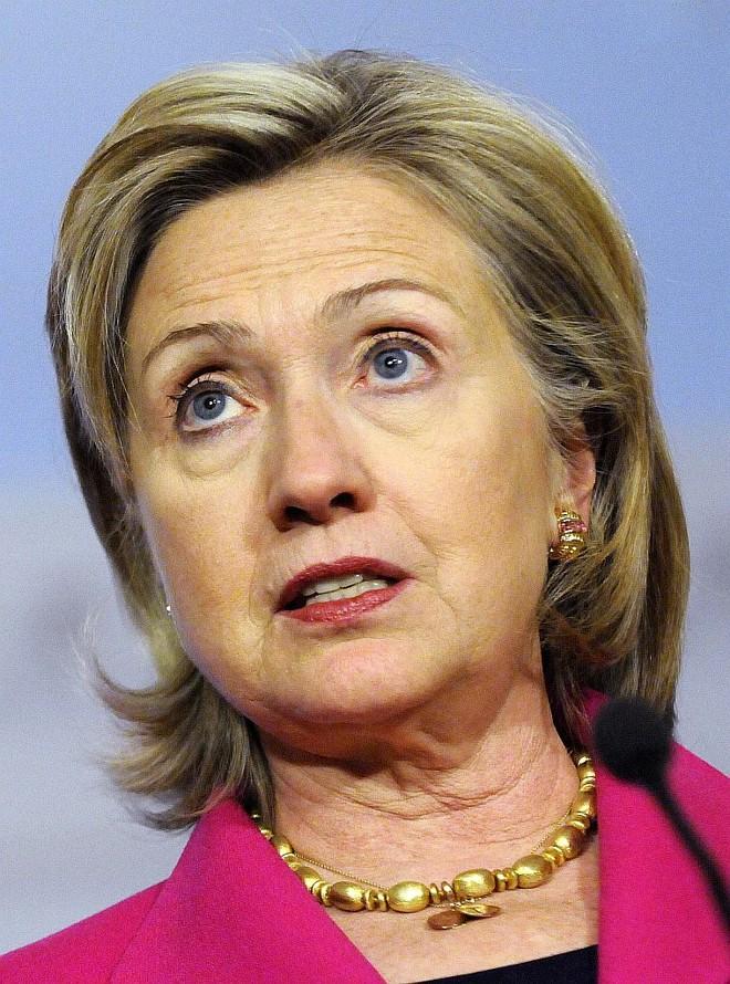 Secretária de Estado Hillary Clinton afirmou que EUA vão ajudar no processo democrático haitiano   Reuters