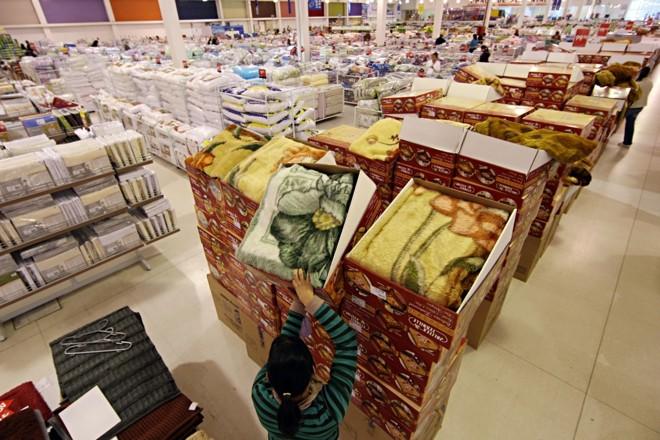 Na loja da Havan, o crédito farto impulsiona a venda de edredons, cobertores e aquecedores: 65% das compras são parceladas | Albari Rosa/ Gazeta do Povo