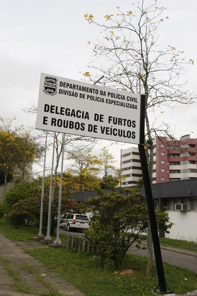 Delegacia de Furtos e Roubos de Veículos recebeu a visita de promotores do Ministério Público   Aniele Nascimento / Arquivo / Agencia de Notícias Gazeta do Povo