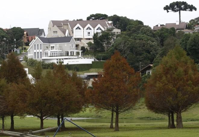 No entorno do Parque Tingui, casas em condomínios podem custar mais de R$ 3 mil o metro quadrado | Jonathan Campos/Gazeta do Povo