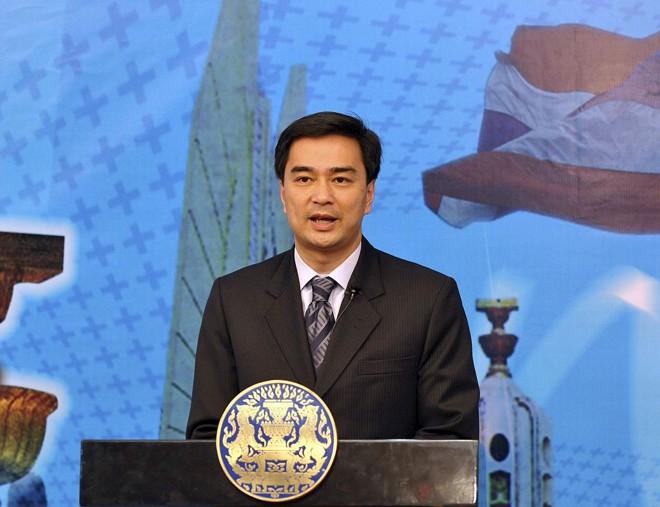 Primeiro-ministro tailandês Abhisit Vejjajiva afirmou que a ordem foi reestabelecida na capital da Tailândia   Reuters