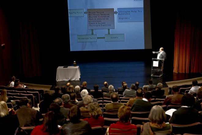 Durante o evento, foram apresentados os objetivos do projeto e houve a formalização do conselho orientador | Antonio Costa/Gazeta do Povo
