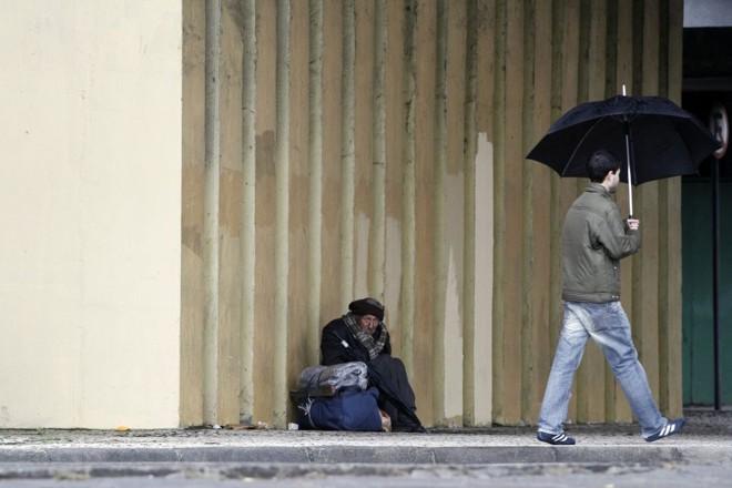 Combinação de frio e chuva dos últimos dias fez o curitibano sofrer... | Daniel Derevecki / Gazeta do Povo