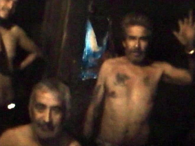 Vídeo de 5 minutos foi apresentado aos familiares de mineiros presos: aparência saudável tranquilizou | AFP