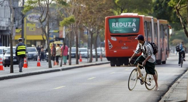 2º Fórum Municipal de Trânsito discutirá uso da bicicleta em Curitiba. | Foto: Daniel Castellano/Gazeta do Povo