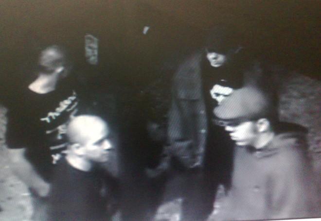 Imagens de câmeras de segurança mostram suposto grupo de skinheads que teria assassinado um jovem de 18 anos no bairro São Francisco | Felippe Aníbal/ Gazeta do Povo