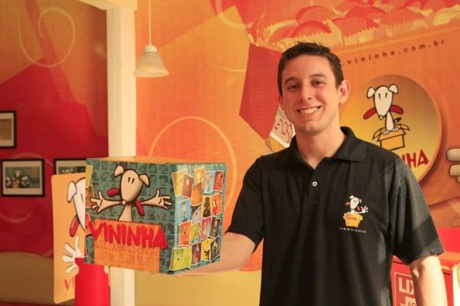 Bruno Barros, gerente de marketing do Vininha: com dificuldade em atender pedidos nos primeiros dias de promoção, empresa teve de enfrentar críticas nas redes sociais   Antônio Costa/ Gazeta do Povo