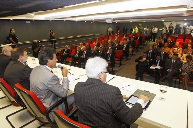Governador Beto Richa em reunião com secretariado | Orlando Kissner