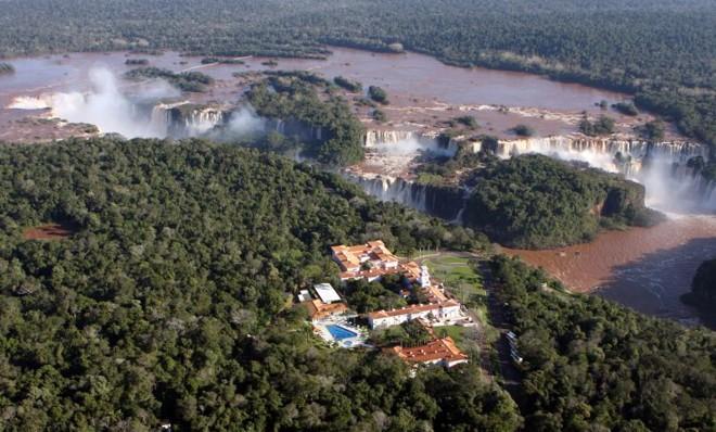 Hotel das Cataratas, em Foz: ocupação média na cidade deve ficar em torno de 90%. Parque Nacional do Iguaçu espera 25 mil visitantes | Cristhian Rizzi / Gazeta do Povo