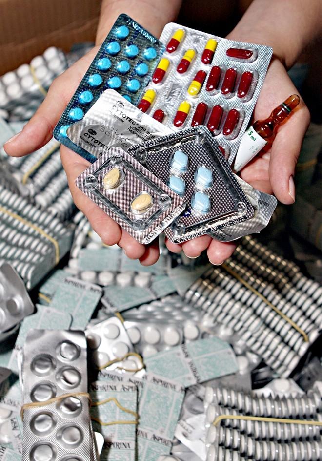 Anabolizantes, emagrecedores, estimulantes e remédios contra impotência sexual são os mais contrabandeados do Paraguai: rede organizada | Christian Rizzi/ Gazeta do Povo