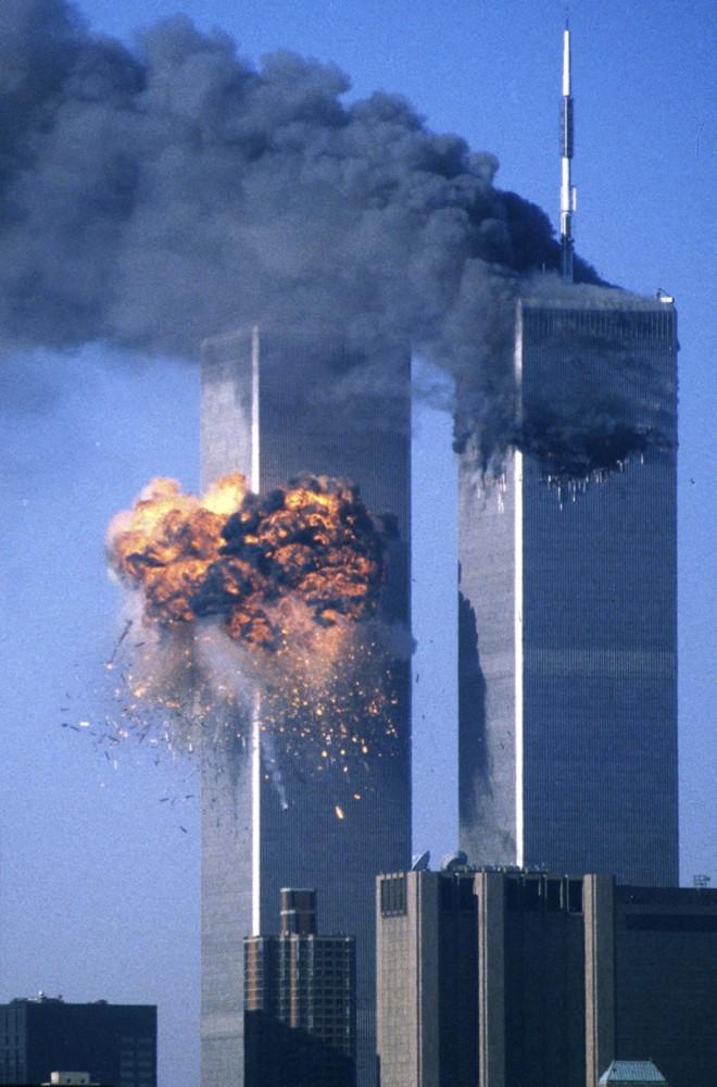 Os ataques terroristas ao WTC deixaram um saldo de 3 mil mortes. | Sean Adair / Reuters
