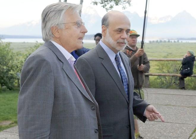 Ben Bernanke (à direita), antes do encontro de Jackson Hole: sem novidades | Price Chambers/Reuters