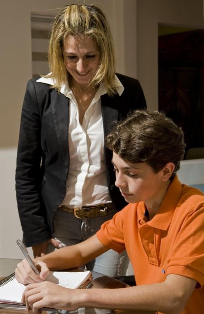 Raquel apostou nas aulas particulares para o filho Gustavo | Antonio Costa/Gazeta do Povo
