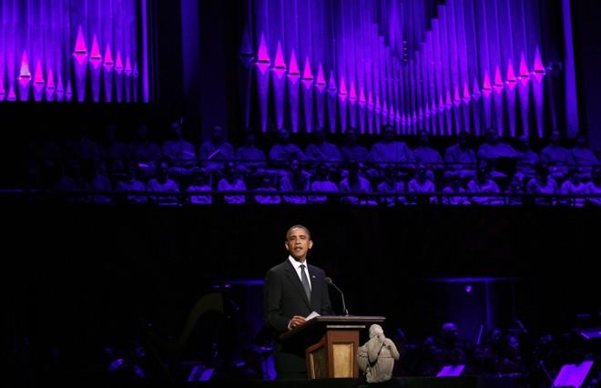 Presidente norte-americana Barack Obama faz discurso durante Concerto pela Esperança no Kennedy Center em Washington | REUTERS/Kevin Lamarque