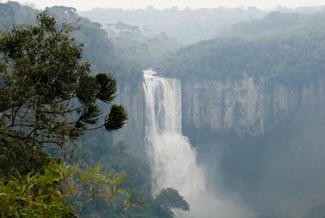Salto São João, em Prudentópolis. A cidade é conhecida como a Terra das Cachoeiras Gigantes | Henri Milléo/ Gazeta do Povo