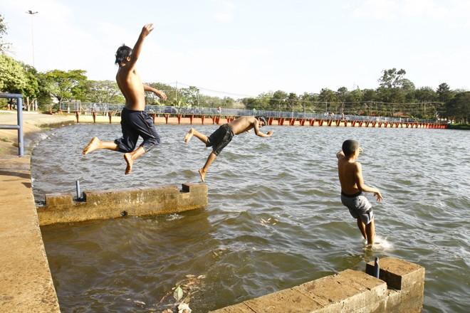 Lago na região Norte do estado, onde estão cidades com média elevada de temperatura | Gilberto Abelha / Jornal de Londrina
