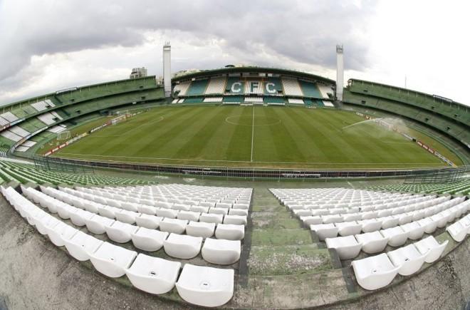 Diretoria paranista mantém afirmação de que Petraglia falou de acordo com o Coritiba para usar o Estádio Couto Pereira | Daniel Castellano / Gazeta do Povo