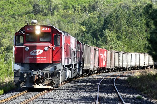América Latina Logística (ALL), empresa que administra as ferrovias no Paraná, desconhece projeto de linha férrea entre Maringá e Guaíra vetado por Dilma | AEN