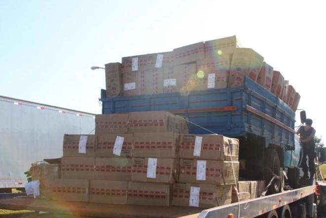 Valor da apreensão foi estimado em R$ 1,5 milhão (incluindo as mercadorias e os veículos) | Divulgação / Polícia Federal