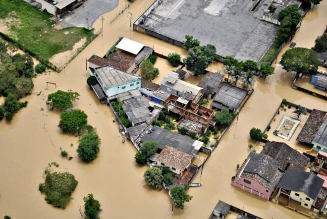 Belo Horizonte sob as águas que colocaram mais 20 cidades mineiras em situação crítica pelo risco de deslizamentos | Amadeu Barbosa/Hoje em Dia