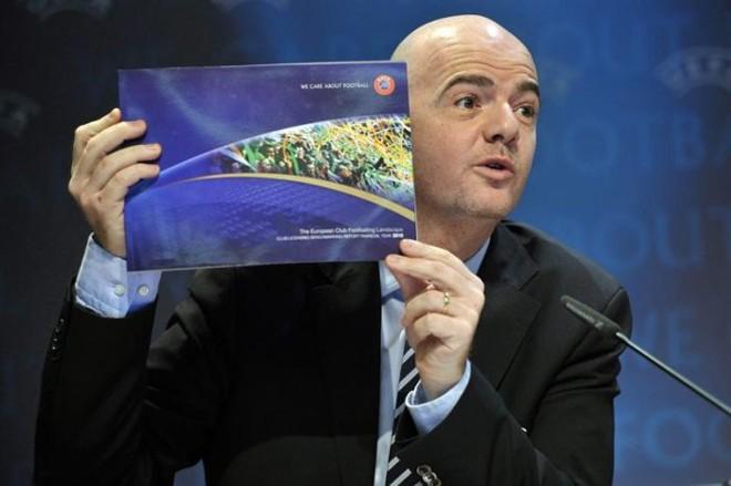 Secretário-geral da Uefa, Gianni Infantino, apresenta o relatório dos prejuízos dos clubes europeus | Martial Trezzini / EFE