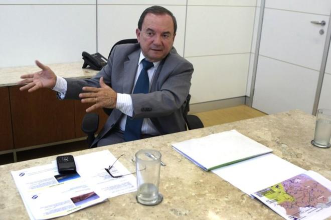 Elias Fernandes, diretor-geral do Dnocs: ele nega irregularidades, mas sua saída é dada como certa | Givaldo Barbosa/Agência O Globo