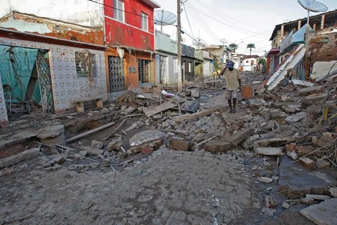 Cidade de Pernambuco destruída pela enchente de 2010: ministro usou esse desastre para justificar prioridade dada ao estado. Mas caso não é único no governo | Jonathan Campos/ Gazeta do Povo