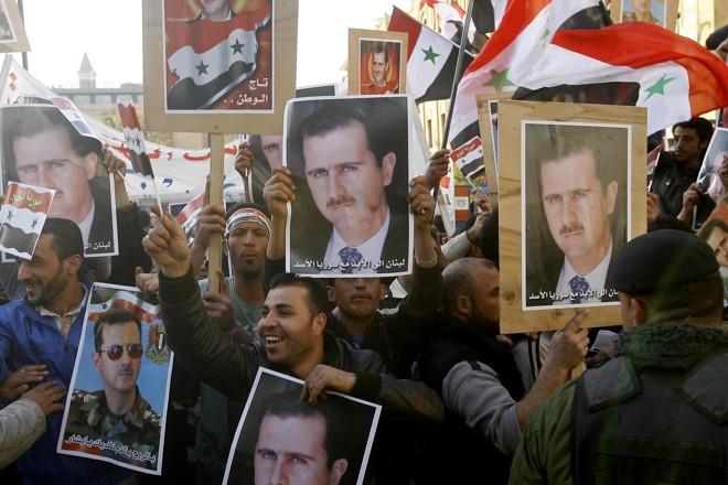 Em Beirute, no Líbano, libanenses e sírios saíram às ruas para apoiar o presidente sírio Bashar al-Assad | AFP Photo