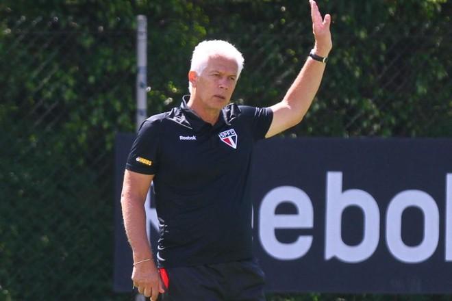 Leão reclamou muito porque a CBF não liberou o meia Lucas para clássico com Palmeiras | Luiz Pires / Vipcomm