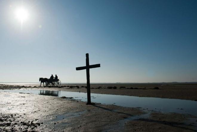 Um vilarejo no litoral da Inglaterra é amaldiçoado por um espírito vingativo | Divulgação
