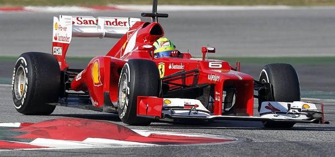 Felipe Massa afirma que novo carro da Ferrari está no caminho certo de desenvolvimento   Albert Gea / Reuters