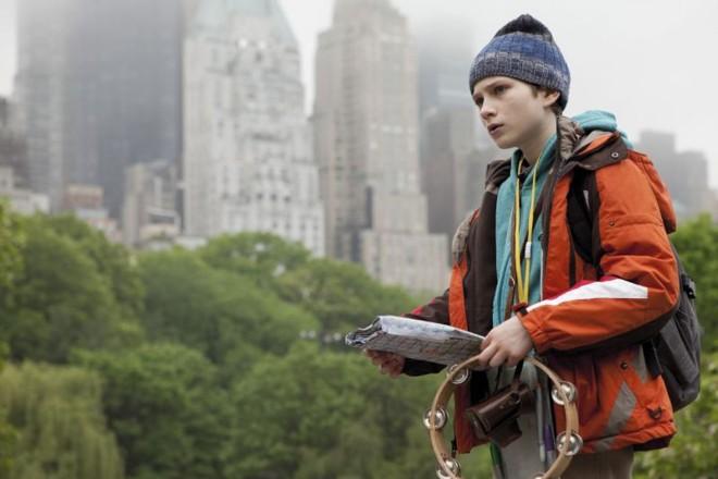 Thomas Horn está ótimo no papel do garoto que busca explicações sobre seu pai | Divulgação