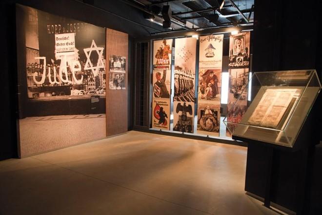 Os materiais do Museu do Holocausto estão organizados em um espaço de cerca de 700 metros quadrados; a maioria dos itens foi doada por instituições estrangeiras, fundações e famílias de sobreviventes   Rafael Danielewicz/Divulgação