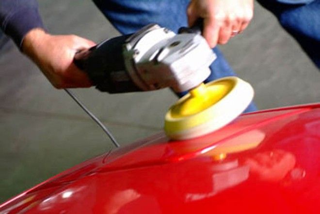 Cera automotiva ajuda a tirar manchas e protege a pintura |