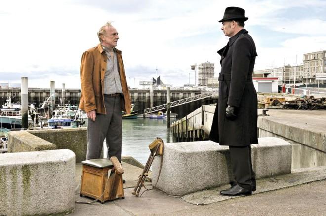 O elogiado O Porto, do finlandês Aki Kaurismäki, já estreou em outras capitais. Filme conta a história de um escritor que troca a escrita pela vida de engraxate | Divulgação
