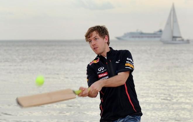 Sebastian Vettel em evento promocional da Red Bull na praia de Santa Kilda, na Austrália | AFP
