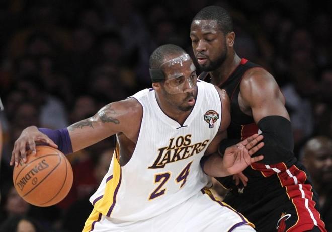 Kobe Bryant marcou 33 pontos e liderou o Lakers na vitória sobre o Miami Heat de Dwyane Wade   Reuters