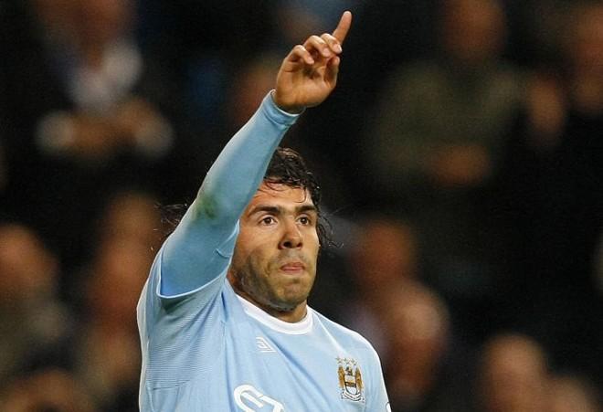 Tevez pode voltar a atuar pelo City diante do Chelsea | Phill Noble / Reuters