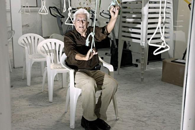 Jorge Magno Lima, 75 anos: diagnosticado depois que o banco começou a devolver seus cheques | Felipe Rosa / Gazeta do Povo