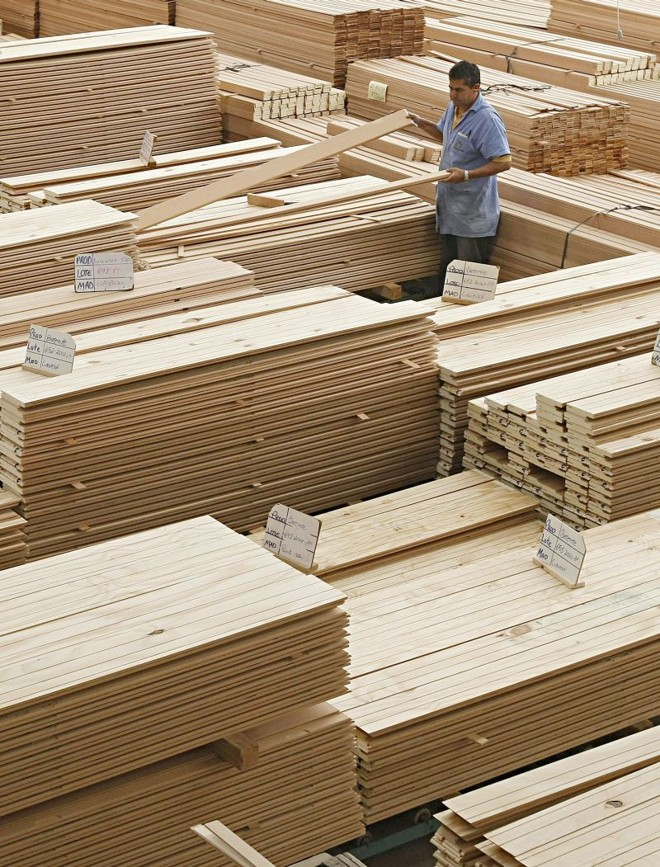 Fabricantes de produtos de madeira puxaram para cima a média da indústria | Daniel Castellano/ Gazeta do Povo