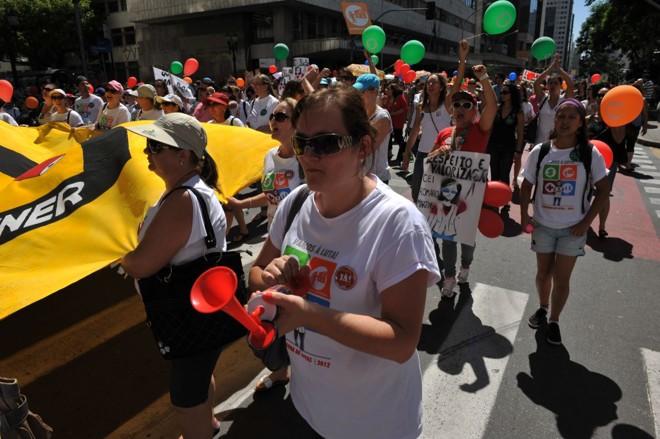 A principal reivindicação da categoria é o reajuste salarial | Marcelo Andrade / Agência de Notícias Gazeta do Povo