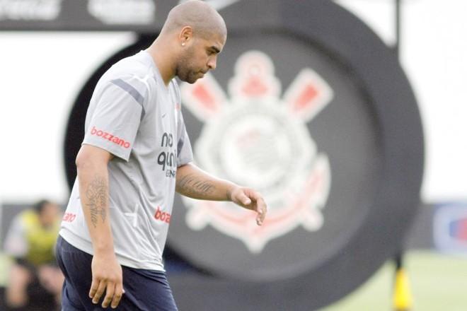 Corinthians demitiu Adriano por justa causa |