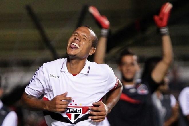 Luís Fabiano marcou os quatro gols da vitória são-paulina sobre o Independente   Wagner Carmo/VIPCOMM