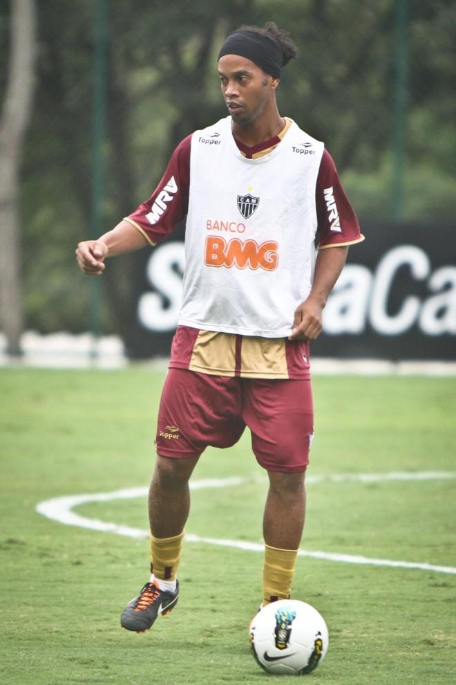 Ronaldinho chegou, deu entrevista e já treino no Galo | Divulgação/ Atlético-MG