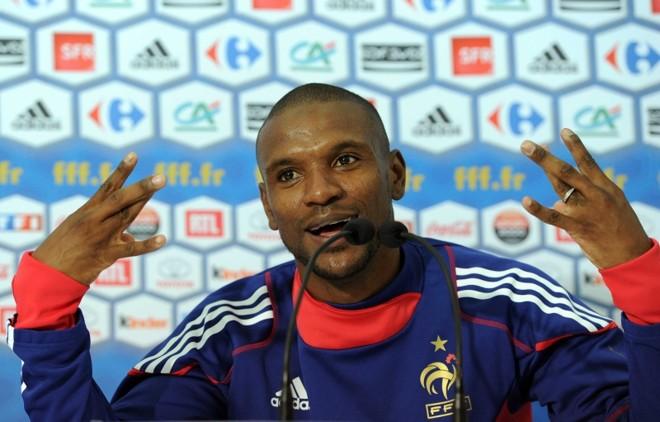 Abidal irá assistir ao jogo da França contra a Suécia na Eurocopa | Frank Fife/ AFP