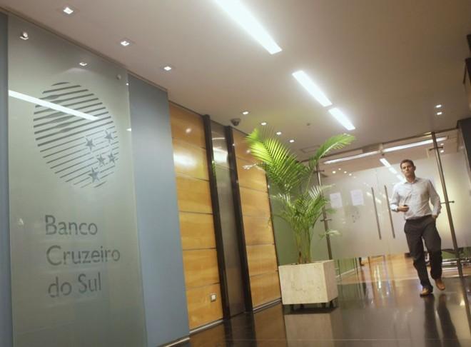 Agência do Cruzeiro do Sul no Rio de Janeiro: maioria dos clientes são funcionários públicos   Ricardo Moraes / Reuters
