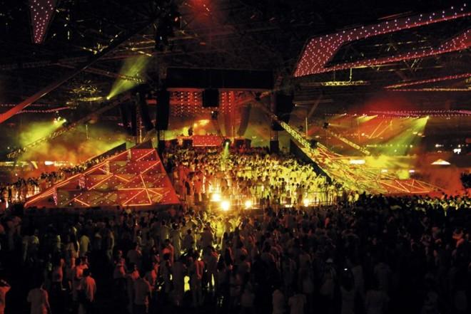 O palco em forma de pirâmide, ocupado pelo público, foi a grande sensação da edição 2012 | Divulgação