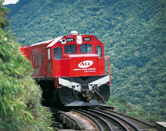 Locomotiva da ALL na Serra do Mar: ferrovia precisa de alternativa. | Divulgação
