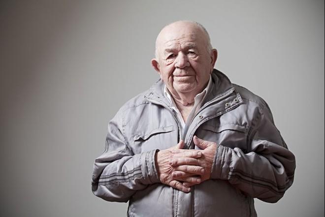 Naftaly perdeu todos os parentes durante o Holocausto. Ele é um dos poucos sobreviventes que foi para um orfanato e acabou sendo reconhecido e teve sua identidade resgatada  